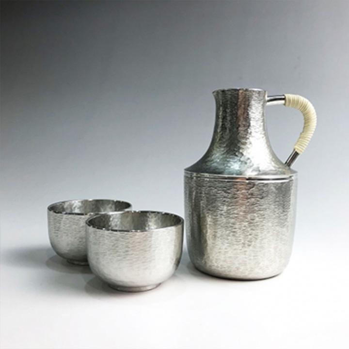 錫でできた酒器セット